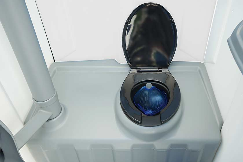 the construction wash and flush portable toilet by callahead. Black Bedroom Furniture Sets. Home Design Ideas