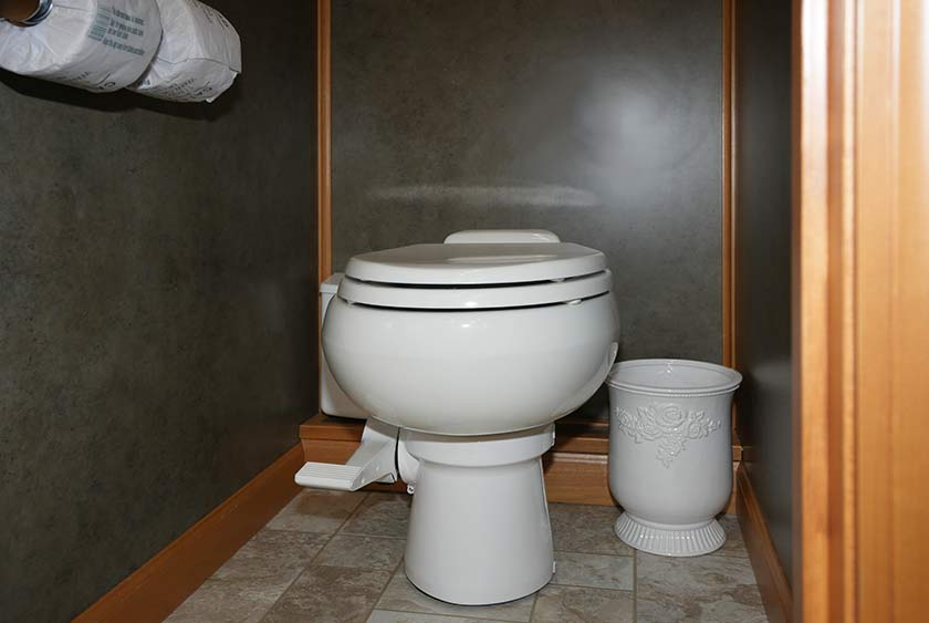 The Country Club Restroom Trailer By Callahead 1 800 634 2085