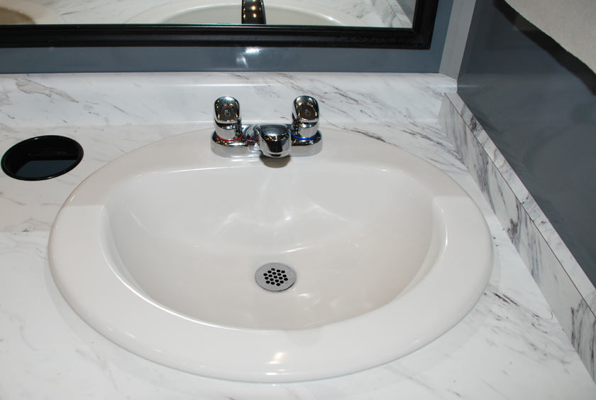 PORCELAIN SINKS WITH AUTOMATIC WATER SHUTOFF