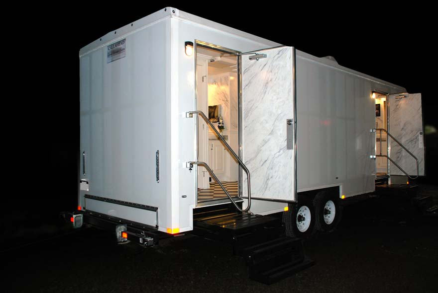 Restroom Trailer Rental The Plaza By CALLAHEAD - Bathroom trailer rentals